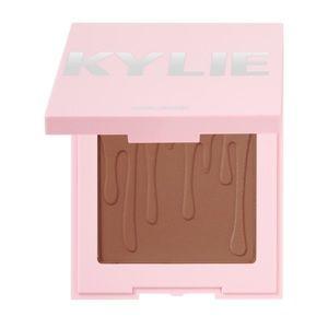 Kylie Pressed Bronzing Powder In Tanned & gorgeous